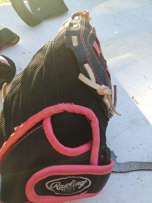 Raulings softball glove for Sale in Apopka, FL