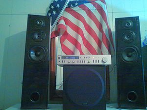 Technics stereo integrated Amplifier ,two sony tower speakers and a 12 inch Polk audio sub for Sale in Abilene, TX