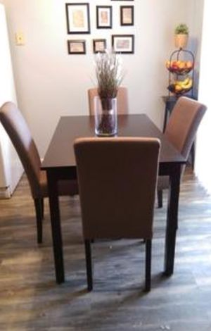 "New!! Dinning table, small 48"" dinning table, kitchen table, Dinning room table, dining room furniture ( chairs are not included) for Sale in Phoenix, AZ"
