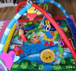 BABY EINSTEIN BABY PLAY MAT PLAY GYM for Sale in Palm Springs, FL