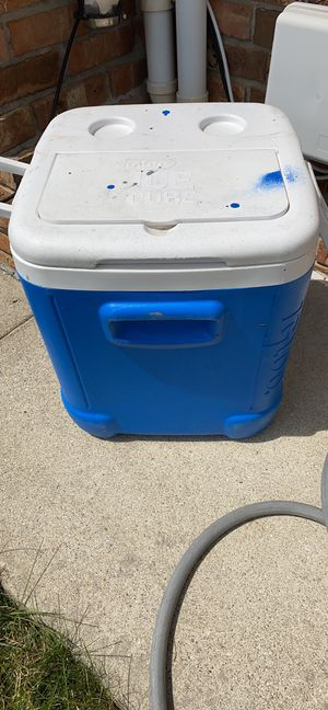 Cooler for Sale in Sterling Heights, MI