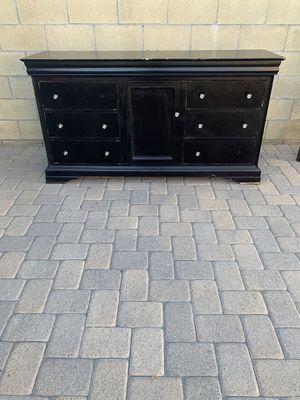Dresser for Sale in Bellflower, CA