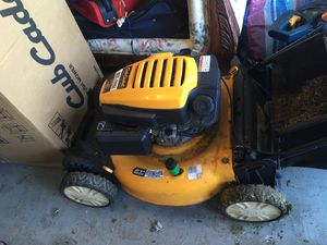 Cub Cadet Lawn Mower for Sale in Fort Lauderdale, FL