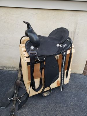Western saddle 15 inch for Sale in Rising Sun, MD
