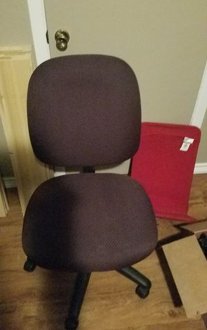 Desk chair for Sale in Clyde, TX