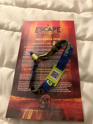 ESCAPE PSYCHO CIRCUS 2019 for Sale in Fountain Valley, CA