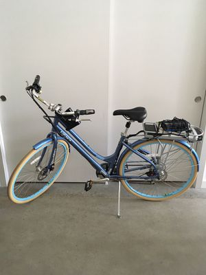 IZIP E3 Path 7 Speed Electric Bike w/ 24 volt Rechargeable Battery for Sale in Seattle, WA