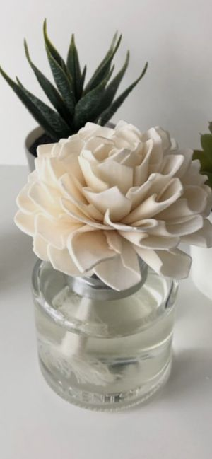 Scentsy Flower for Sale in Compton, CA
