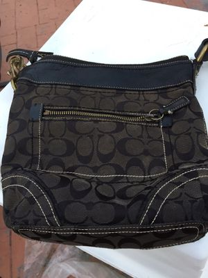 Women real Coach purse for Sale in Coral Springs, FL