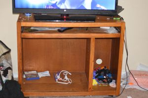 Tv stand/computer desk for Sale in Towson, MD