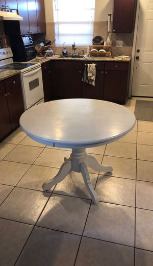 """Round table 42"""" diameter white for Sale in Land O Lakes, FL"""