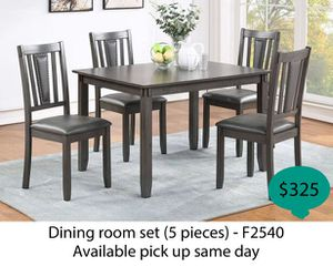 Dinning room set 5 pieces ( available pick up same day ) for Sale in Anaheim, CA