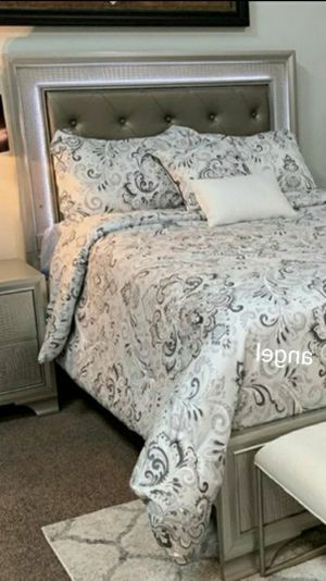 🧿BRAND NEW 🧿SPECIAL] Lyssa Champ agne LED Panel Bedroom Set for Sale in Jessup, MD