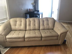 Couch and love seat for Sale in Waterloo, IA
