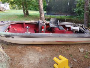 Bass boat with no motor for Sale in Calhoun, GA