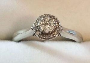 Stunning 10K white gold diamond halo cluster ring size 6.5 for Sale in Lake Stevens, WA
