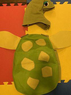 Potty Barn Turtle Costume (6-12m) for Sale in Chicago,  IL