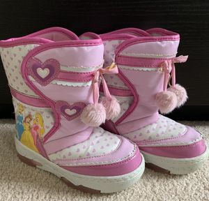 Toddler Snow Boots Size 11 for Sale in Alexandria, VA