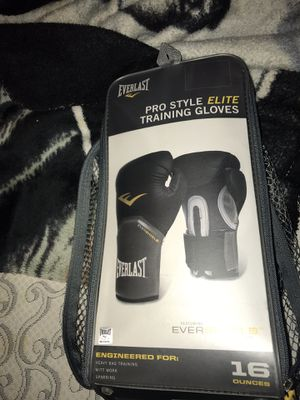 Everlast boxing gloves for Sale in Los Angeles, CA