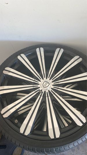 22 inch rims for Sale in Grand Prairie, TX