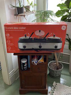 Crock Pot Slow Cooker / Kitchen Appliances / Stove Top / Crock Pots for Sale in Columbus,  OH