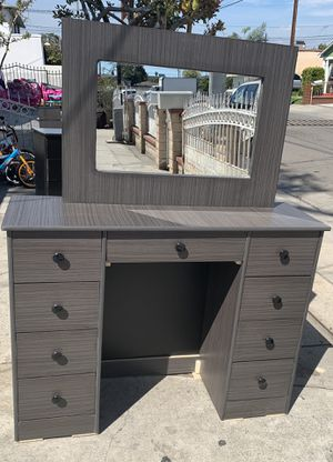 180$ for Sale in Los Angeles, CA