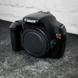 Canon Rebel T3 Body Only for Sale in Gaithersburg, MD