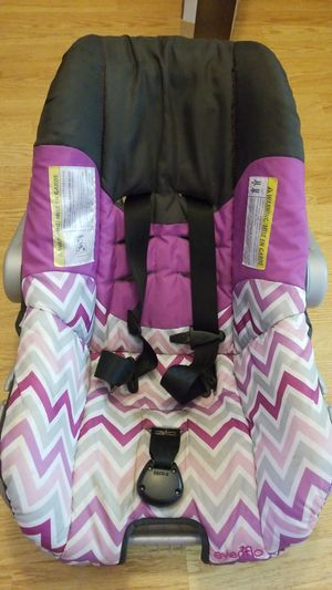 Evenflo nature infant carseat millie for Sale in Milton, FL