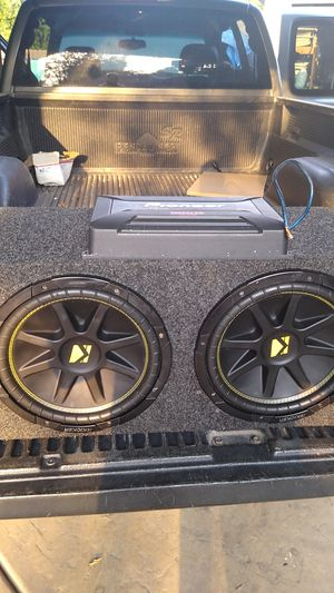 "2 12"" kikers Whit 900 pioneer amp the price is firm please no low buyers or ridiculous offers for Sale in Fresno, CA"