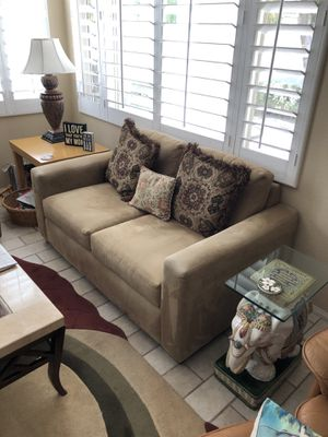 Neutral suede love seat in excellent condition. for Sale in Rancho Mirage, CA