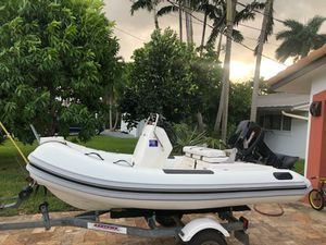 2007 Yacht tender Ab 11 inflatable center console with tohatsu 25hp for Sale in Fort Lauderdale, FL