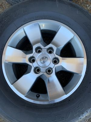 Toyota 4Runner wheels and tires for Sale in Gallatin, TN