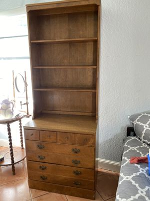 Ethan Allen Dresser with Shelf for Sale in Delray Beach, FL