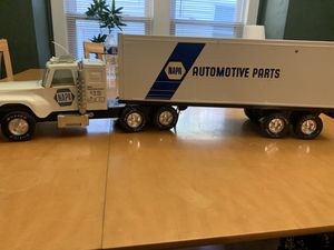 NYLINT NAPA TRACTOR TRAILER TOY TRUCK $30 for Sale in Cleveland, OH