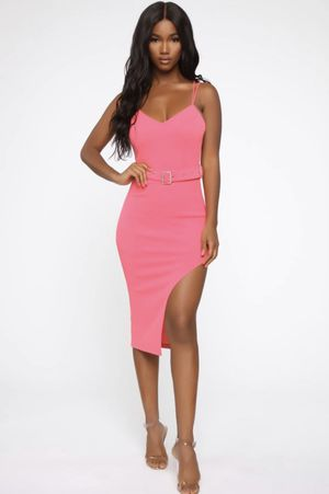 Hot Pink Belted Midi Dress NWT Size XL for Sale in Elk Grove, CA