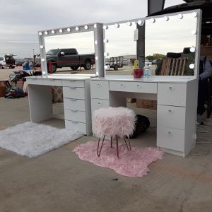 Hollywood Style Vanity's And Tall Standing Mirrors for Sale in San Antonio, TX