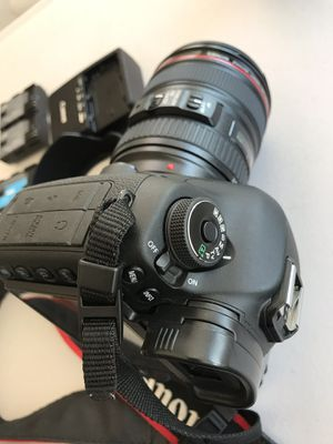 Canon 5D III for Sale in Walnut, CA
