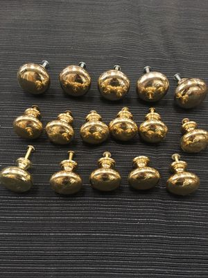 """16 brass cabinet drawer knobs. 5 1.5"""" and 11 1.25"""" for Sale in Stockton, CA"""