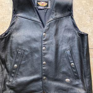 Harley Davidson Leather Vest for Sale in Laveen Village, AZ