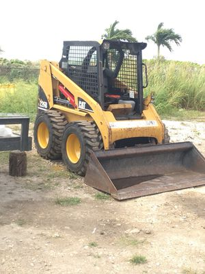 2007 CAT SKID STEER 226B GREAT CONDITION for Sale in Miami, FL