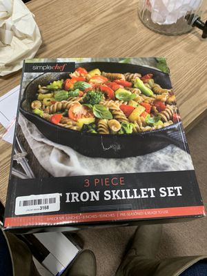 """Simple Chef Cast Iron Skillet 2-Piece Set - 10"""" & 6"""" Pans Best Heavy-Duty for Sale in Upland, CA"""