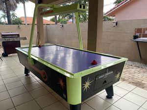 Air hockey table for Sale in Hialeah, FL