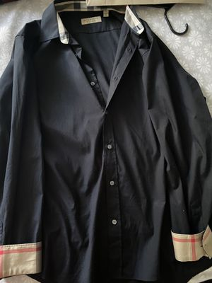 Burberry shirt for Sale in Moreno Valley, CA