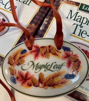 4 Longaberger Tie-ons Maple Leaf New collectibles for Sale in Woodinville, WA