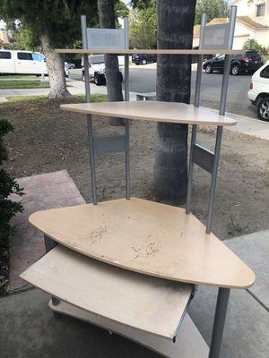 corner desk for Sale in El Cajon, CA