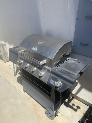 Bbq grill for Sale in Corona, CA
