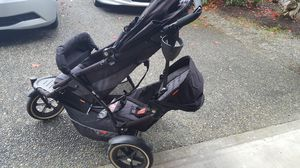 Phil and Ted's Double Stroller with infant carseat attachment for Sale in Mill Creek, WA