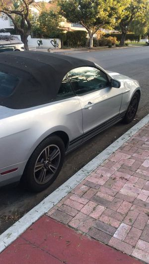 Mustang ford, automatic, clean title, 2010 for Sale in San Diego, CA