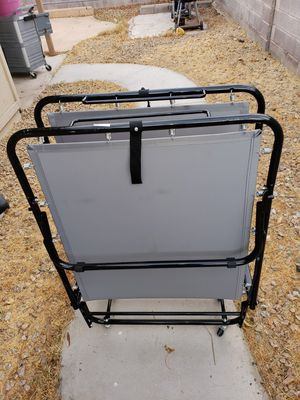 BED FRAME WITH WHEELS for Sale in Las Vegas, NV
