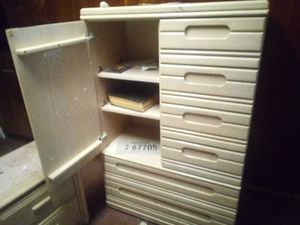 Dresser for Sale in Bedford, VA